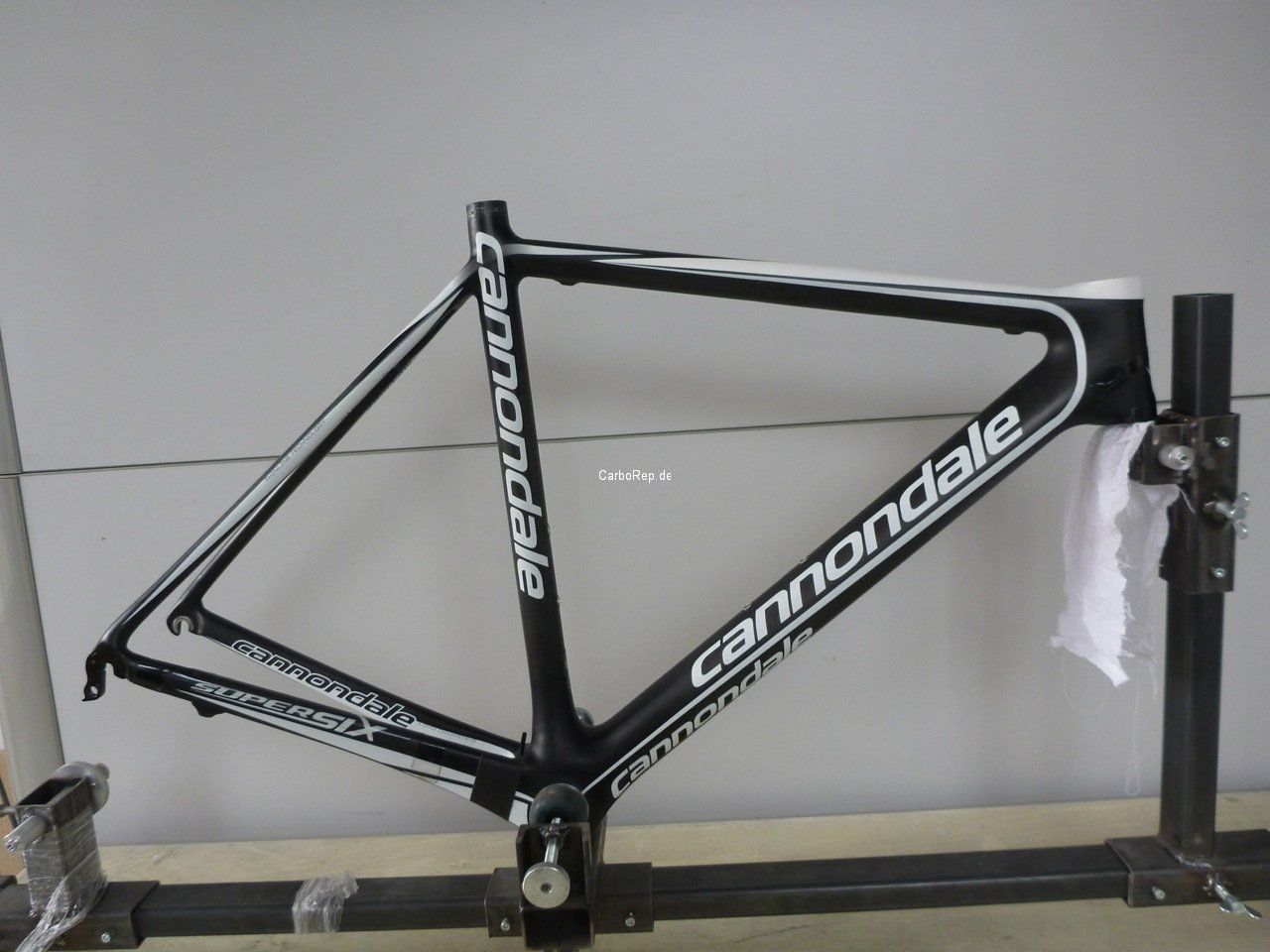 Carbon_Rahmen_Reparatur_Cannondale_SuperSix06